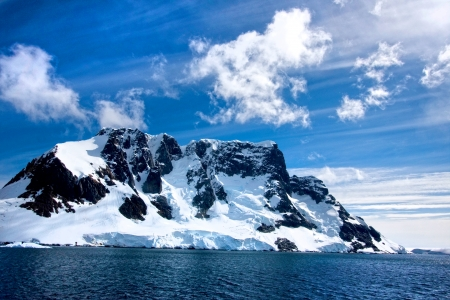 Sailing down the Lemaire Channel, Antarctica photo
