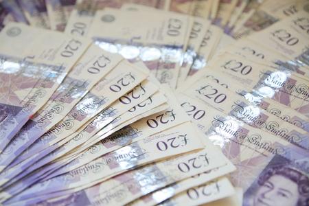 Grande-Bretagne 20 £ - billets de vingt livres sterling répartis.