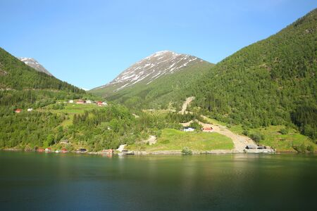 The Sognefjord or Sognefjorden, nicknamed the King of the Fjords, is the largest and deepest fjord in Norway. Located in Vestland county in Western Norway, it stretches 205 kilometres inland from the ocean to the small village of Skjolden in the municipality of Luster. 版權商用圖片