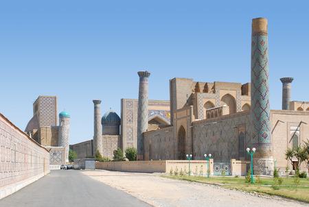 registan: Alley near the Registan Square in Samarkand