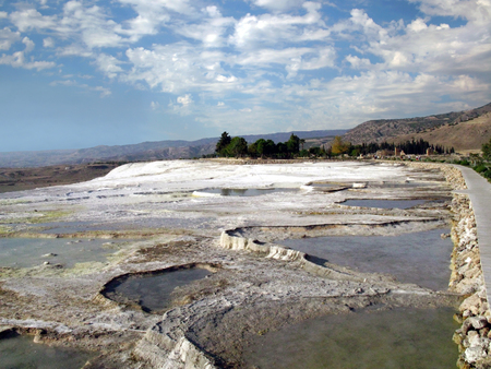 deposition: Plateau and the beginning of a cascade of travertine in Pamukkale Stock Photo