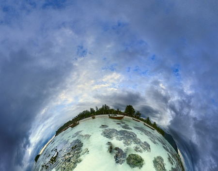 koś: Panoramic image of the Ko Lipe island in Thailand looks like planet