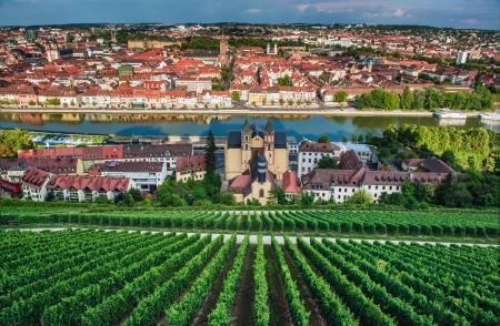 Vue sur la ville Würzburg de Marienberg château.