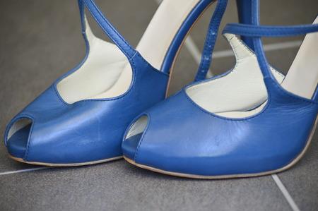 sandalias: sandalias de cuero de las mujeres, zapatos de tac�n alto