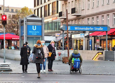 Berlin germany december 2020, people wearing medical masks outdoors Publikacyjne