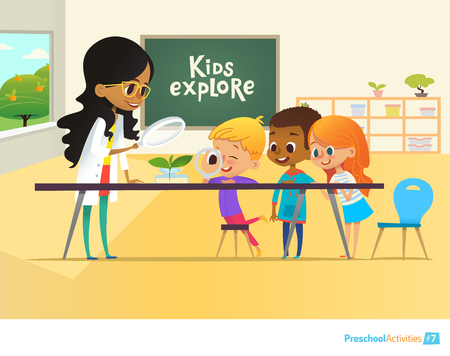 Smiling teacher and children looking through magnifying glass at green sprout during biology lesson in classroom. Preschool environmental education concept. Cartoon vector illustration for poster. Stock Illustratie