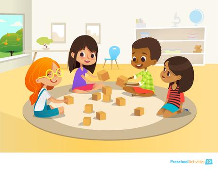 Los niños se sientan en círculo en la alfombra redonda en el aula de jardín de infancia, jugar con bloques de juguete de madera y la risa. El aprendizaje a través concepto de entretenimiento. Ilustración del vector para folleto, página web, cartel, pancarta. Ilustración de vector