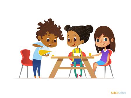 Niños felices que desayunan por sí mismos. Dos muchachas que comen las comidas de la mañana en la mesa y muchacho que vierten la bebida en el vidrio. Concepto de nutrición infantil. Ilustración vectorial de banner, cartel, sitio web, volante. Foto de archivo - 73779423