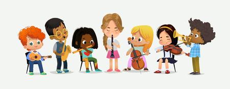 La orquesta de la escuela toca varios instrumentos musicales. Niños juntos en el aula. Chico con saxofón. Feliz actuación adolescente. Ilustración de vector de dibujos animados plana de gran fiesta educación