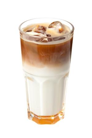 Kaffee-Cocktail mit Milch und Eis