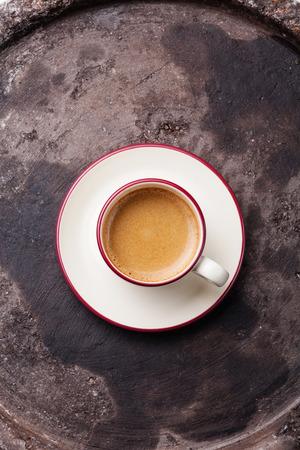 어두운 질감 배경에 커피 컵 스톡 콘텐츠