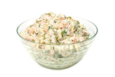 ensalada rusa: ensalada rusa aislado en blanco Foto de archivo