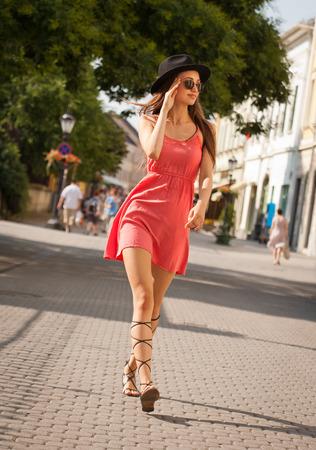 fashionable woman: Outdoors portrait of a fashionbale young brunette woman.