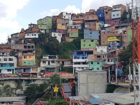 Comuna 13 neighborhood - Medellin city colourful slums (favelas). Medellin, Colombia. Stockfoto