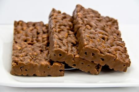 barra de cereal: arroz inflado chocolate Foto de archivo