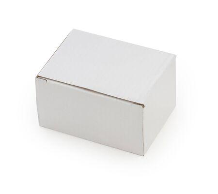 Weißer Kasten getrennt auf einem weißen Hintergrund.
