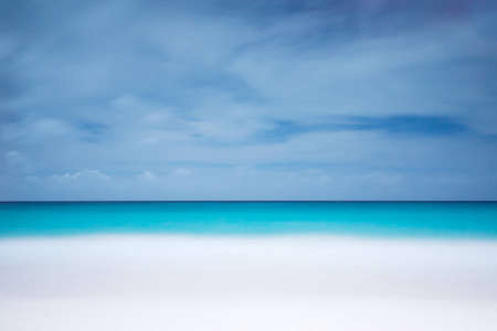 white sand and blue sky wallpaper
