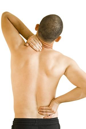 cuello: hombre joven tener cuello doler y haciendo de dolor de espalda masaje  Foto de archivo