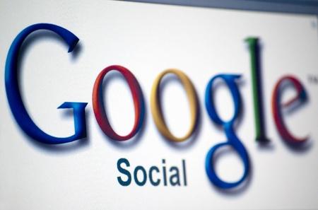 google logo on laptop screen Stock Photo - 9754350