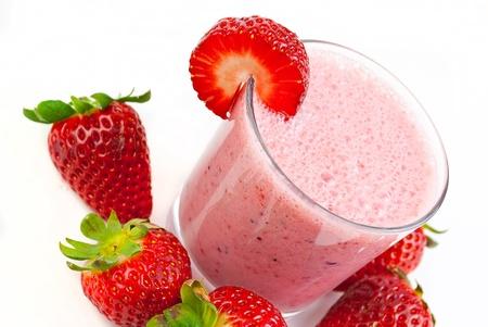 healthy strawberry smoothie isolated on white background Stok Fotoğraf - 19901794