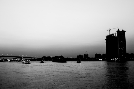 Rivière de la ville Banque d'images - 18077180