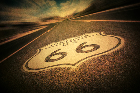 Route 66 road sign with vintage texture effect 免版税图像