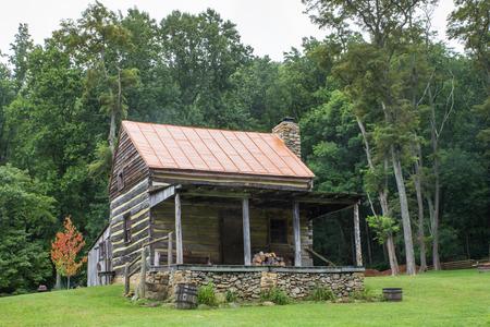 Typical appalachian log home 写真素材