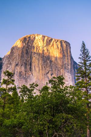 sierra nevada: Yosemite view of El Captain in California