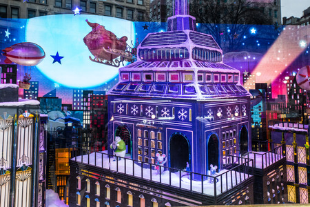 NEW YORK CITY - DECEMBER 17, 2017:  View of Macy's Department Store at Herald Square in Manhattan with holiday window displays Archivio Fotografico - 120228177