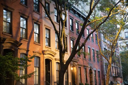 Row of typical Residential homes seen from New York City Manhattan Stockfoto
