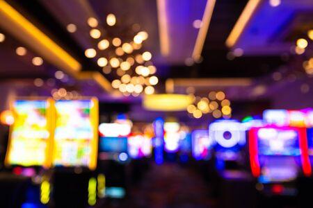 Defocused casino blur with slot machines and lights 免版税图像