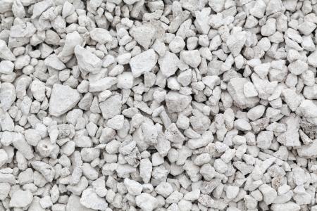 Triturado de piedra de fondo blanco