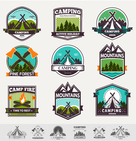 Retro vector vintage camp label and logo graphics. Camping outdoor, adventure and explorer. Simple and nice design. Travel and Exploration the world Çizim