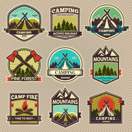 Retro vector vintage camp label and logo graphics. Camping outdoor, adventure and explorer. Simple and nice design. Travel and Exploration the world Vettoriali