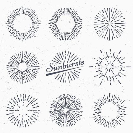 Conjunto de rayos de sol de la vendimia. Dibujado a mano. Rayo de luz. plantilla de diseño de iconos o elementos gráficos.