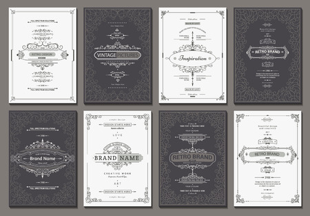 Retro- kreative Kartenschablone mit Flourishverzierungselementen. Hintergrund für Einladung, Ankündigung, Broschüre im Vintage-Stil