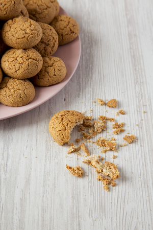 Homemade almond cookies, side view. Close-up. Archivio Fotografico