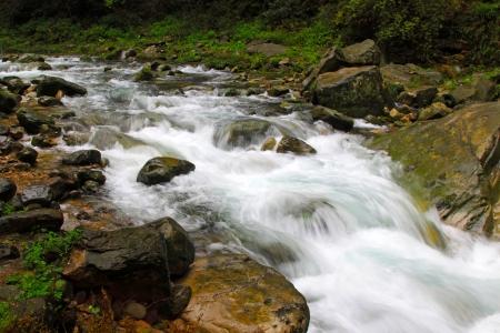 中国湖南省張り家界国立地質公園、ストリームの風景