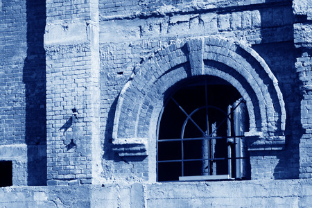 restore ancient ways: broken walls and Windows in a factory, north china