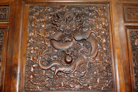 lifelike: Redwood carving works of Chinese traditional style - dragon