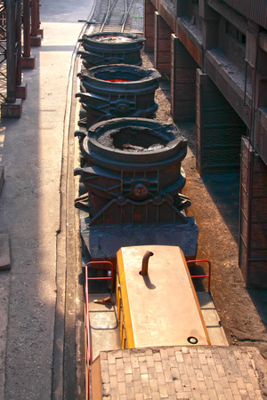 crisol: Transporte crisol hierro tren