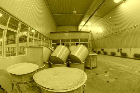 materia prima: Luannan County - 5 gennaio: La canna materia prima in officina fango produzione, nella Zhongtong Ceramica Co, Ltd 5 Gennaio 2014, Contea di Luannan, nella provincia di Hebei, Cina. Archivio Fotografico
