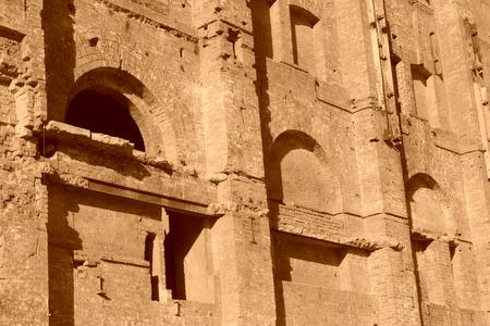 broken wall: pared rota en una f�brica, primer plano de la foto Foto de archivo