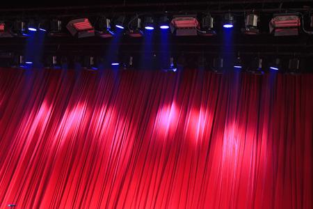 赤いカーテン、ステージ ライト、写真のクローズ アップ 写真素材