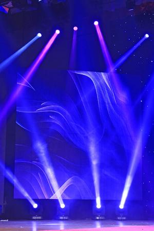 ステージ ライトの夢のような効果を背景