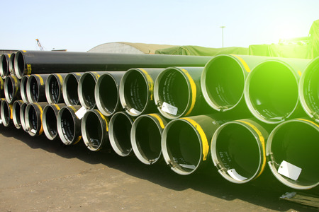 steel pipe: Steel pipe cross section features
