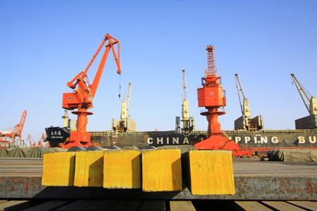 gantry: gantry crane in cargo berth