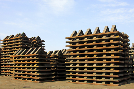componentes: Piles of steel components, closeup of photo Editorial