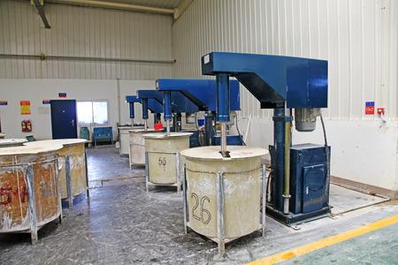 precipitaci�n: dep�sito de materia prima en un taller de producci�n, de cerca de foto