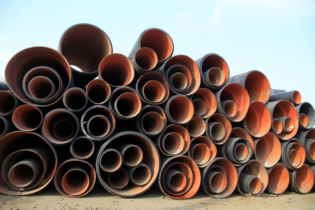 to pile up: Plastic pipe pile up together, closeup of photo